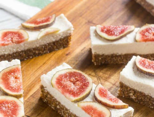 Cashew cream fig bars