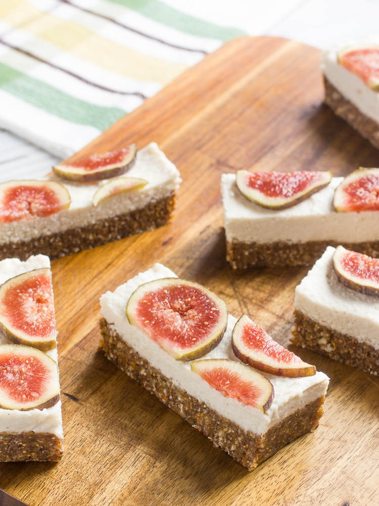 Fig bars with cashew cream